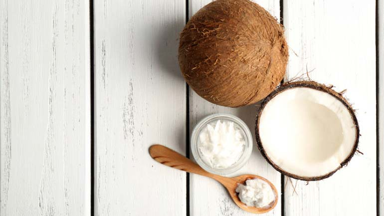 coconut oil for oil pulling assessed by a dentist